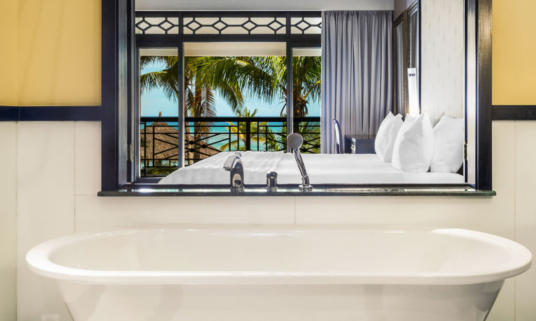 Nirvana Premium Ocean View Bathroom 1